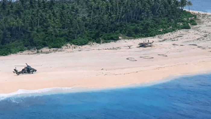 Nhờ chữ SOS viết trên cát mà một người gặp nguy đã được cứu